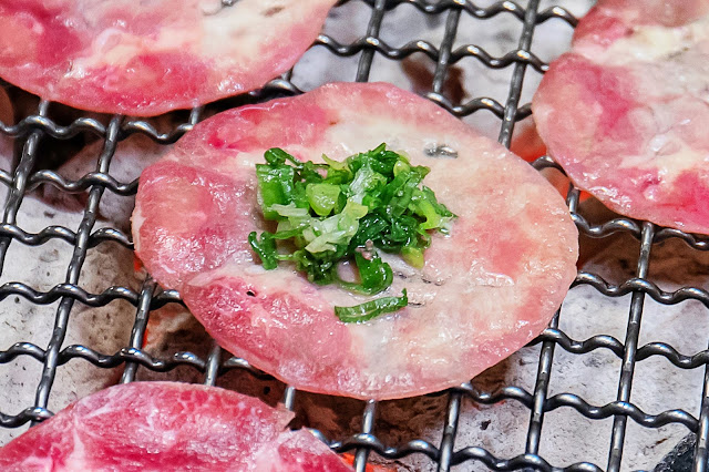MG 3720 - 熱血採訪│台中人氣日式炭火燒肉吃到飽!限時加價不用百元就能享有和牛吃到飽,還有比臉大牛排任你吃