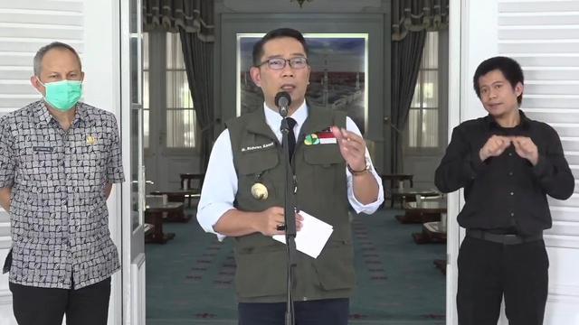 Ridwan Kamil Mengecek Kesiapan Pembukaan Sekolah di Zona Hijau