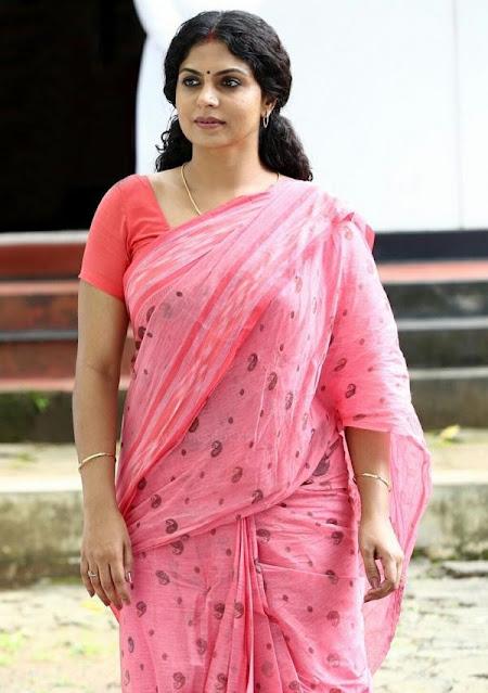 Indian Film Actress Asha Sharath Saree Photo Stills Navel Queens