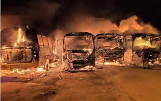 Incêndio atinge garagem da Prefeitura em Barra do Choça e destrói veículos