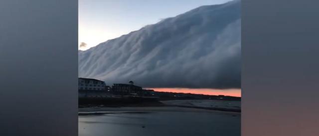 Το βίντεο τρόμου με σύννεφο που «καταπίνει» τις ΗΠΑ
