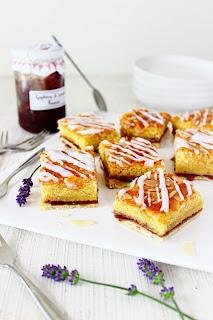 Bakewell-plaatkoek met lavendel