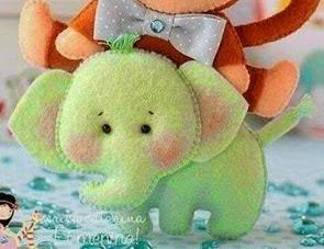 http://manualidadesreciclables.com/14573/patron-de-elefante-de-peluche
