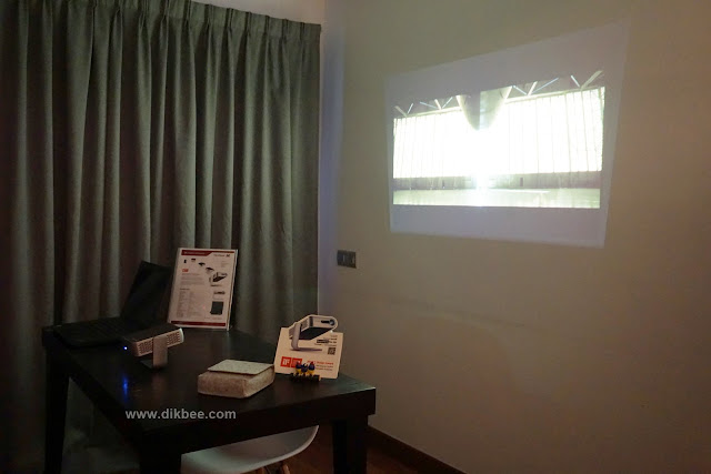 Projektor LED Ultra-Mudah Alih ViewSonic M1