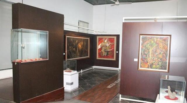 Museum Seni Rupa dan Keramik di kawasan Kota Tua Jakarta Barat.