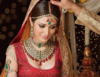 indian-dulhan-in-dress