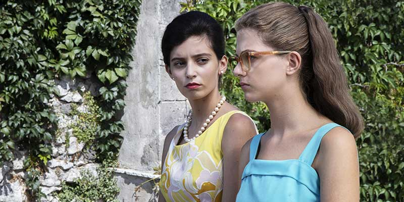 Elena (Margherita Mazzucco) y Lila (Gaia Girace) en la segunda temporada de 'La Amiga estupenda'