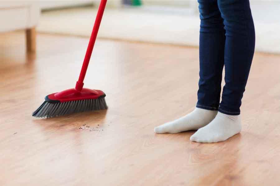 selalu perhatikan lantai sebelum vacuum