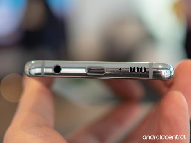 Cổng tai nghe 3,5 mm sắp trở lại smartphone Samsung