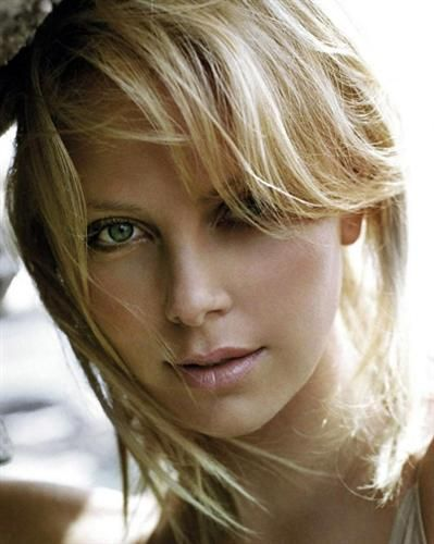 Charlize Theron Resimleri - Charlize Theron Pictures
