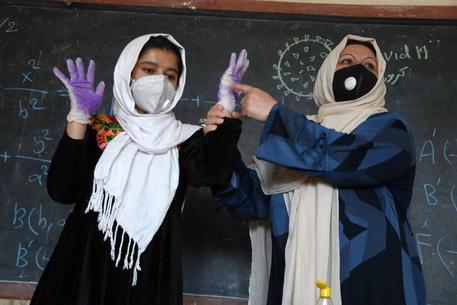Kabul, vietato alle adolescenti cantare in pubblico