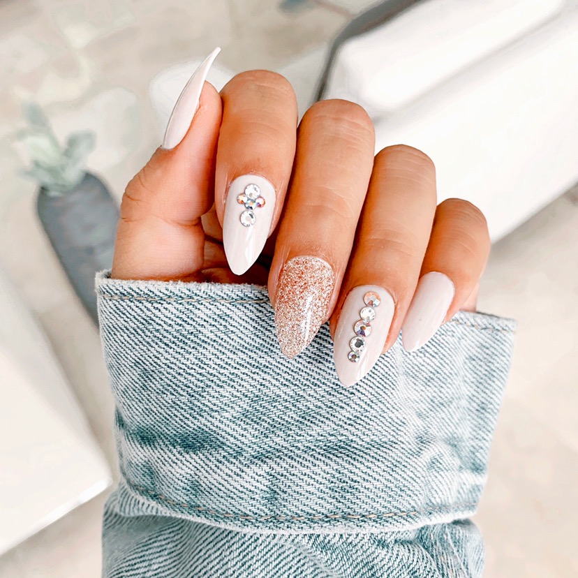 Almond-Shape-Glitter-Nail-Design