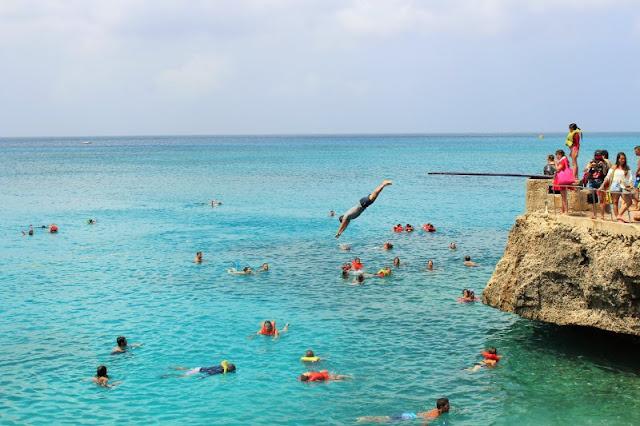 Faça mergulhos no verão em San Andrés