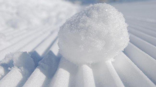 Cara Membuat Eksperimen Salju dari Dry Ice