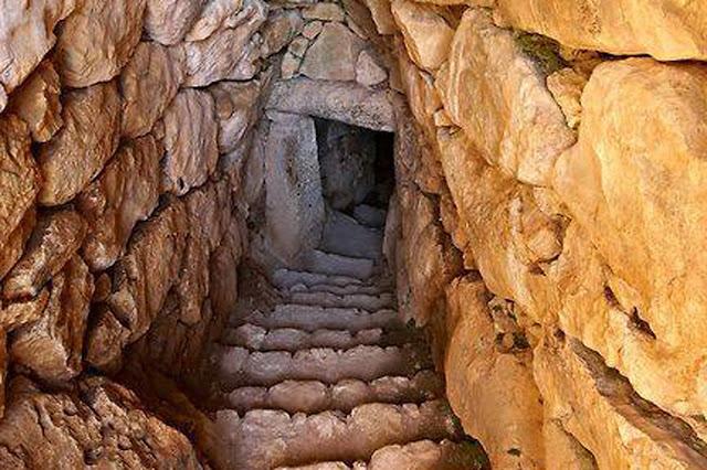 Η άγνωστη σε πολλούς υπόγεια δεξαμενή των Μυκηνών