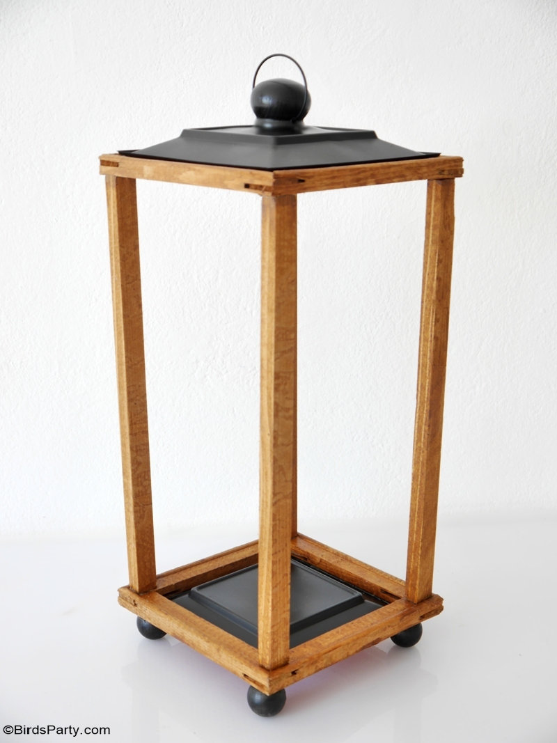 Easy DIY Modern Farmhouse Wood Lanterns - quick and easy to make high-end large lanterns made on a budget. Ideal to decorate your home for any season! by BirdsParty.com  @BirdsParty #diy #homedecor #farmhouse #farmhousedecor #farmhouselanterns #modernfarmhouse #diylanterns #woodlanterns #magnoliahome #diyhomedecor