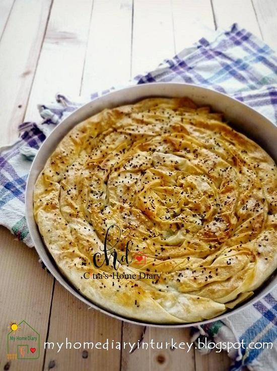 Turkish Leek Pastry borek / Pırasa Böreğı. If you want to experience Mediterranean- middle east cuisine, start with this simple Pırasa Böreğı, you are going to love it! #leek #börek #burek #phyllopastryrecipe #turkishfood #turkishborekpastry #citrashomediary #maindish #sidedish #mediterranean #middleeast #ayran #yoghurt