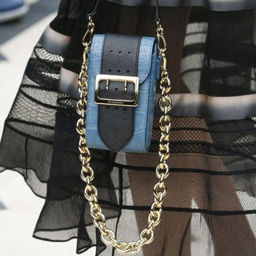 hangbag trends 2016, spring 2016, chain straps, chain purses, purse trends, accessory trends 2016