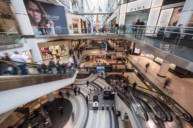 Trung tâm thương mại sầm uất