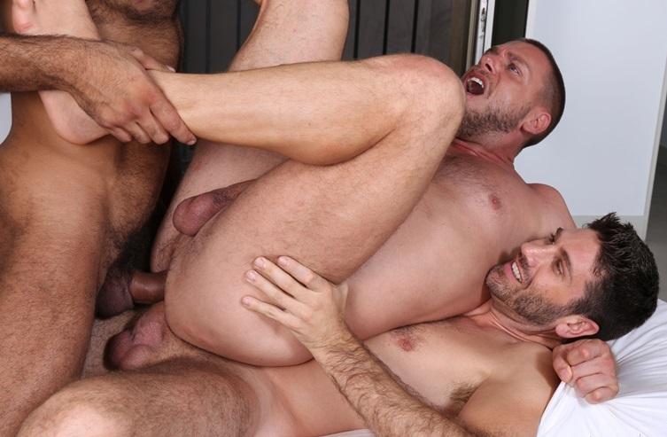 Triple Penetracion Gay 59