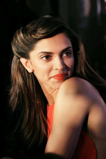 Bollywood Queen Deepika padukone hot HD photos