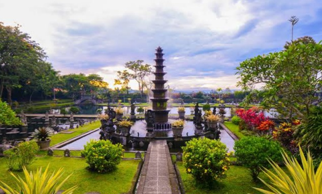 Must-Visit Attractions in Bali (Indonesia), bali tour, paket tour bali, tour bali, bali tour package, bali sun tours, bali tour guide, paket tour bali, bali tour service, tour and travel bali, tour ke bali, things to do in bali, things to do in ubud, things to do in bali with kid, bali island, six things to do if you visit bali, something about bali ftv