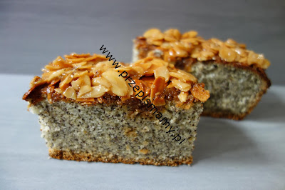 Ciasto makowe z polewą migdałową