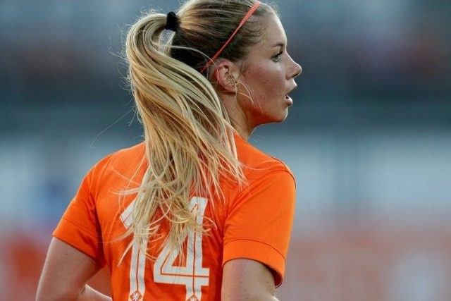 Anouk Hoogendijik sexiest female player of European Leagues