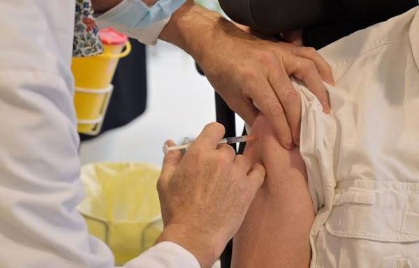 Covid-19 : L'obligation vaccinale des soignants risque-t-elle de désorganiser les hôpitaux, cliniques et Ehpad ?