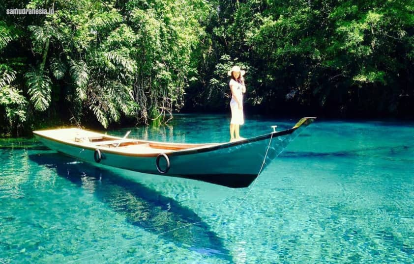 Danau Labuan Cermin – Kalimantan Timur