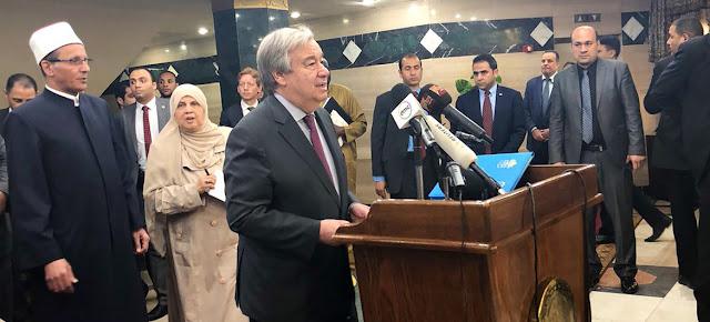 El Secrtario General António Guterres duranmte su discurso en la mezquita de al-Azhar en El Cairo, la capital de Egipto. Naciones Unidas