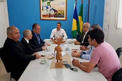Construção da nova sede da Promotoria de Justiça é tema de reunião