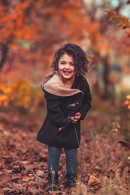 بنت صغيرة جميلة