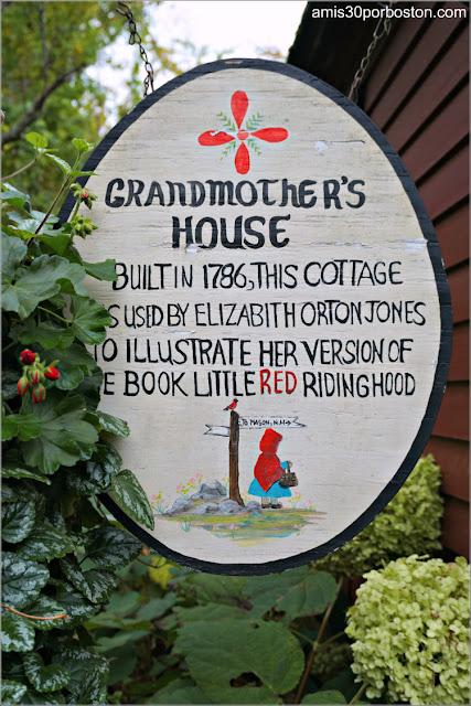 Placa de la Casa de la Abuelita de Caperucita Roja en Pickity Place, Mason