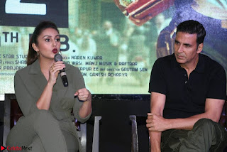Akshay Kumar Jolly LLB 2 Movie Press Meet Stills 05.jpg