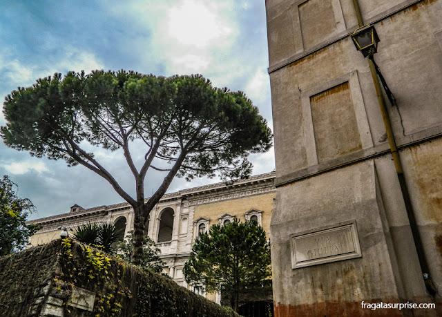 Palácio Farnese, Via Giulia, Roma