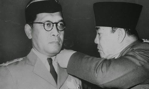 Hasil gambar untuk Sri Sultan Hamengku Buwono IX PNS
