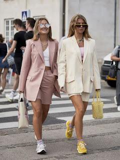 žena-moda-boja_sezone-proleće_leto-krem_boja-zemljane_nijanse-prljavo_roze-cigla_narandžasta-haljine-kombinezoni-šeširi-sandale