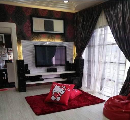 Desain ruangan tengah rumah minimalis type 45 dengan rak TV
