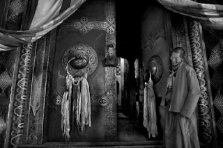 TPOTY 2010: Monks At The Temple In Grasslands Tagon