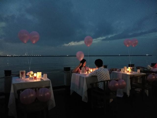 jetski cafe romantis
