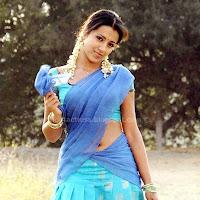 Trisha hot saree navel show