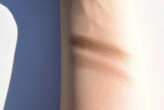 Dior brow palette swatch