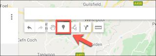 اضغط على إضافة علامة لإضافة نقطة علامة مخصصة في محرر خرائط Google