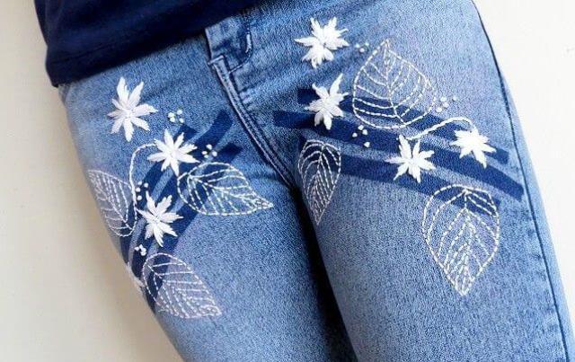 Mẫu thêu hoa trên quần jean đẹp - Hình 3