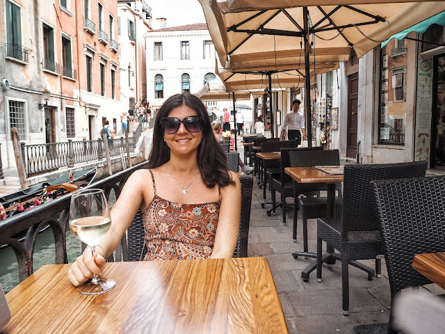 24 hours in Venice- prosecco in the sun