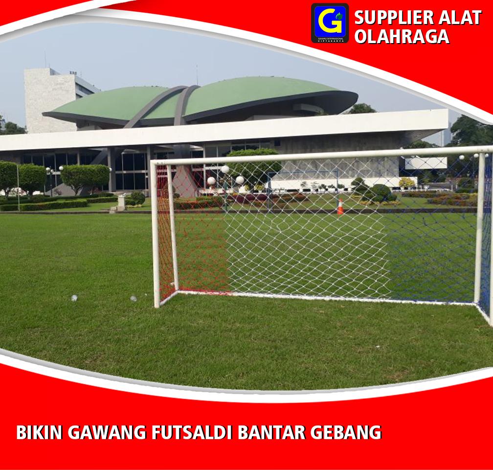 Bikin Gawang Futsal Di Bantar Gebang