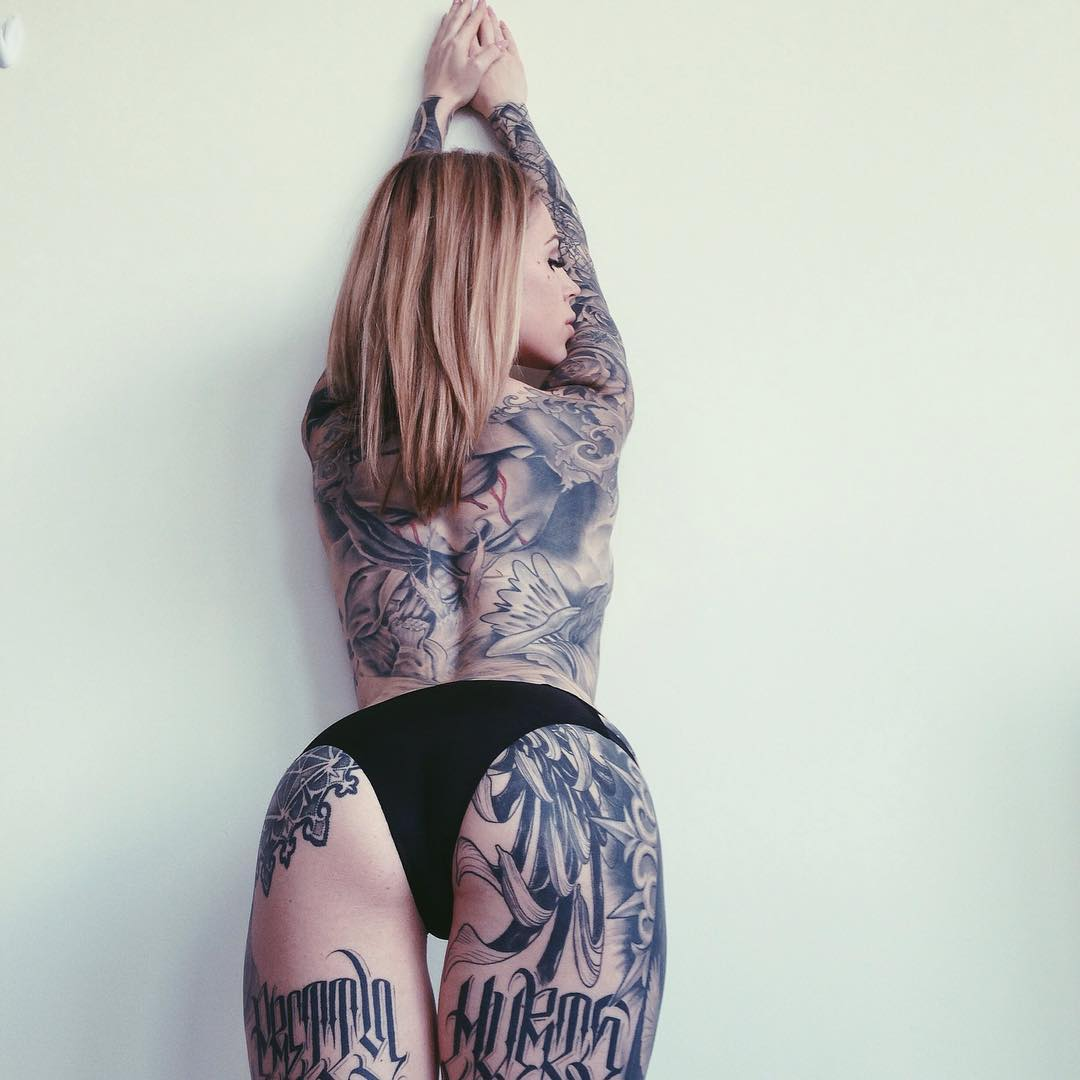 model tattooed Lauren Hebert