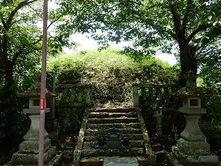 六萬部寺の経塚