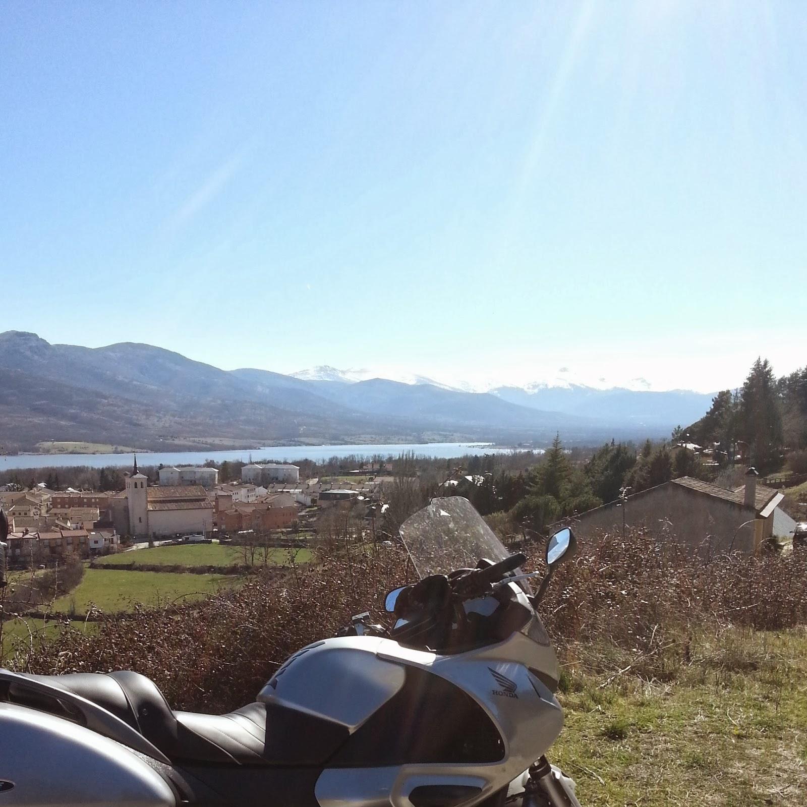 Valle de Lozoya en moto